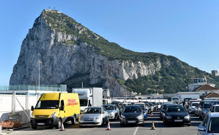 spain gibraltar border2